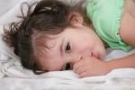 Méthodes naturelles pour l'énurésie, le pipi au lit